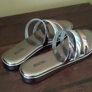 Women's slides